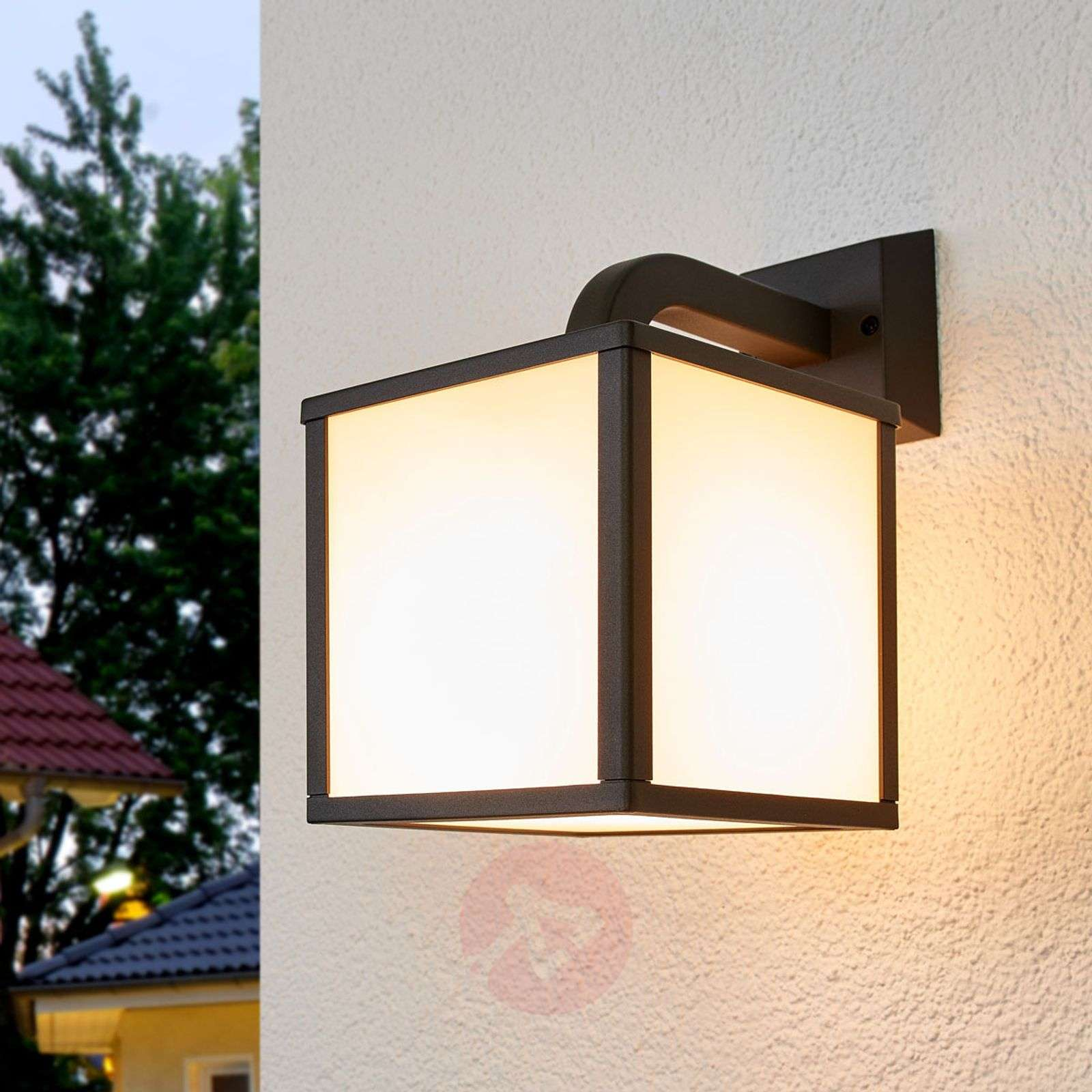 Cubango A Modern Led Outdoor Wall Light Lights Co Uk