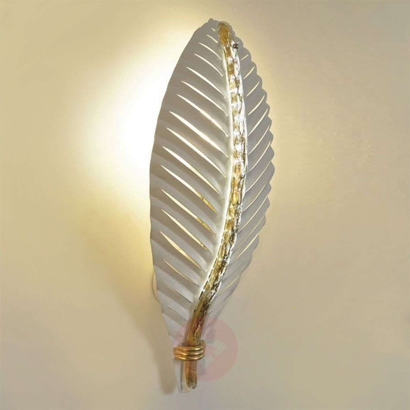 Metal Shaped Wall Lights : Leaf-shaped wall light Oasi Lights.co.uk