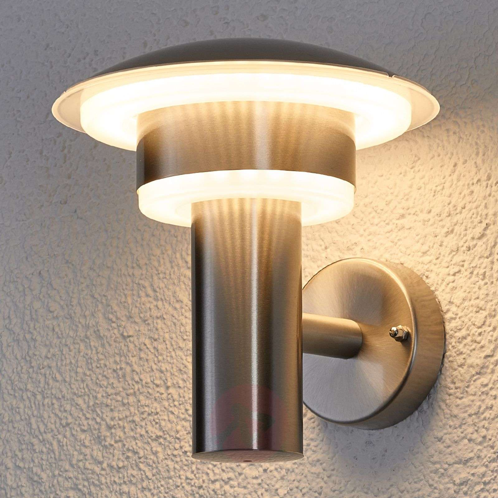 Led stainless steel outdoor wall light lillie for Lampe exterieur led design