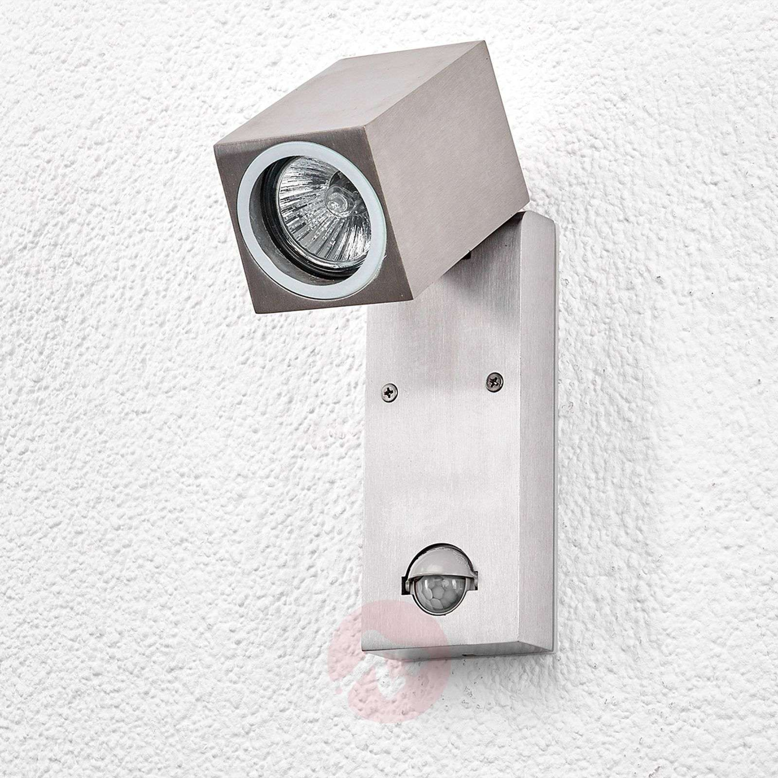 Loris Outdoor Wall Light With Motion Sensor