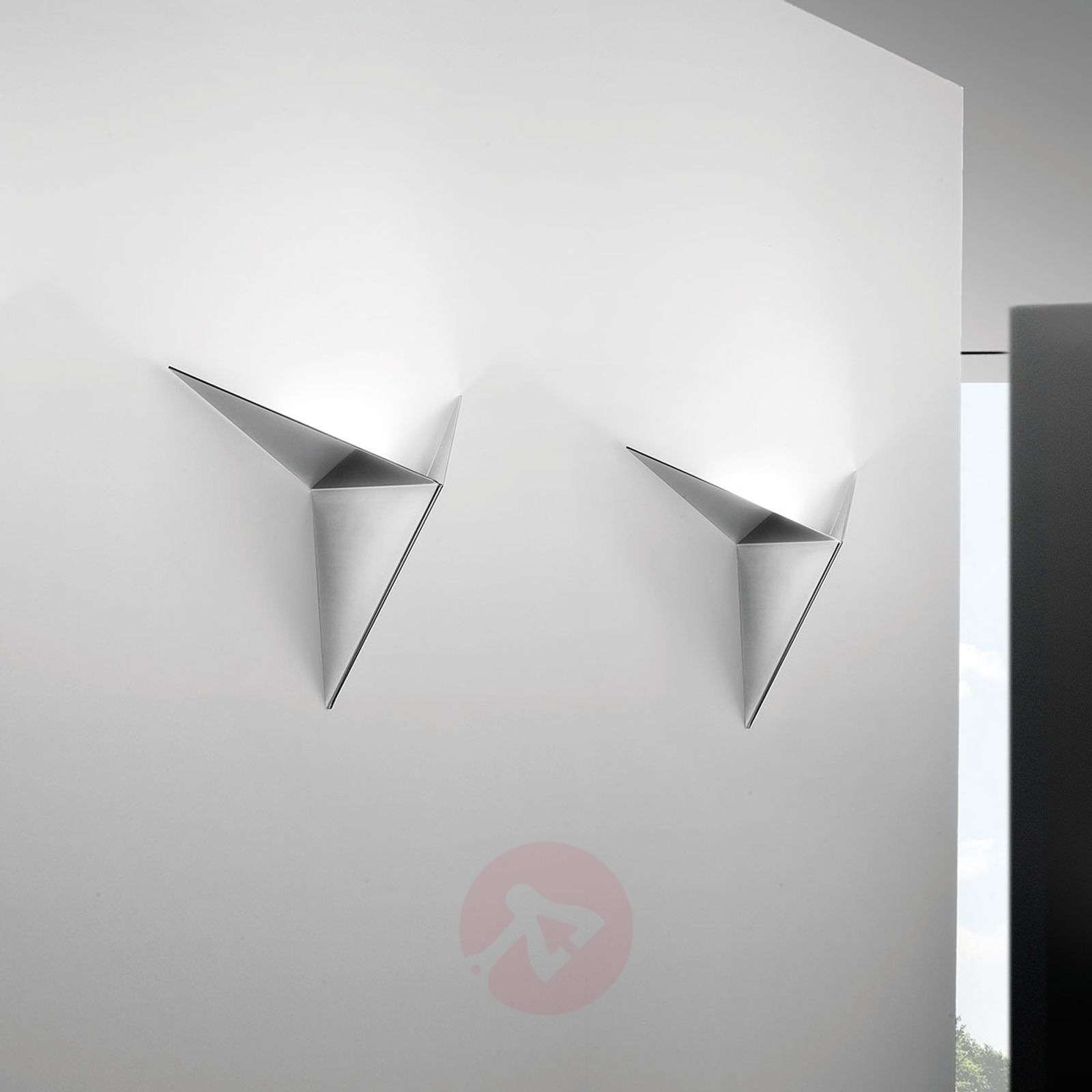 Lustrous wall light Vasily-1088031-01