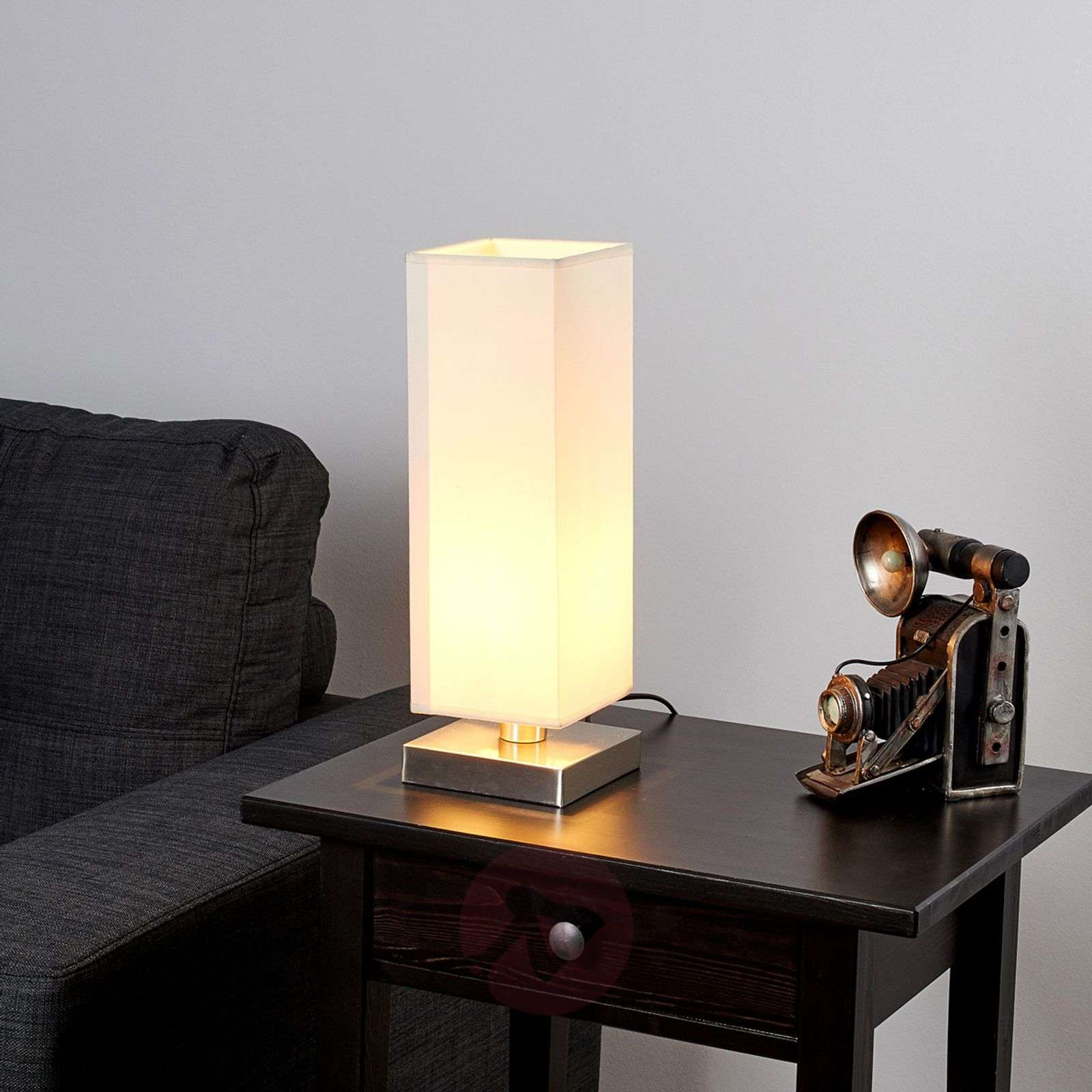 martje white table light with e14 led lamp. Black Bedroom Furniture Sets. Home Design Ideas