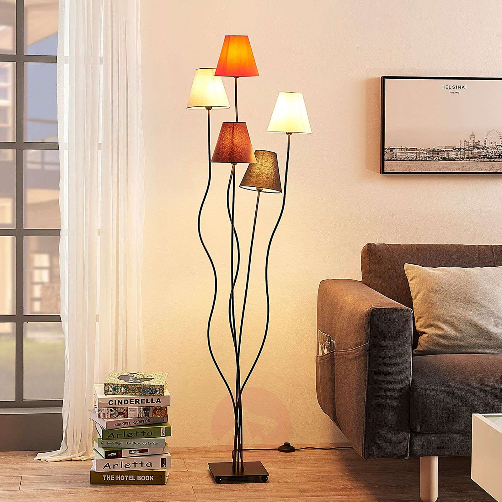 Melis five-bulb floor lamp for the living room