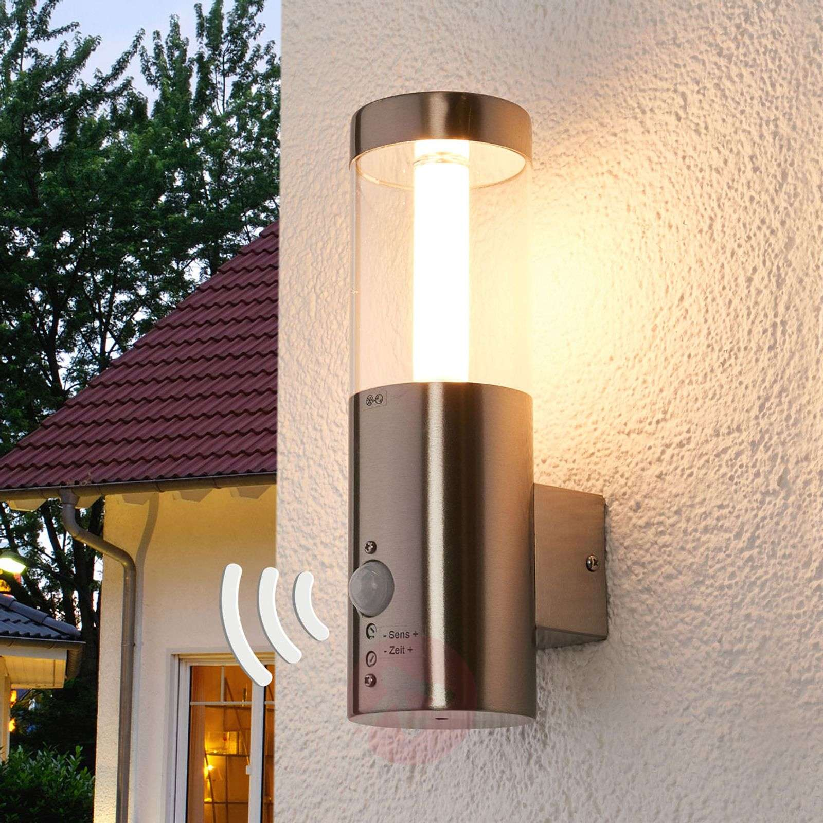 Motion detector led outdoor wall lamp ellie for Exterior wall light with motion sensor