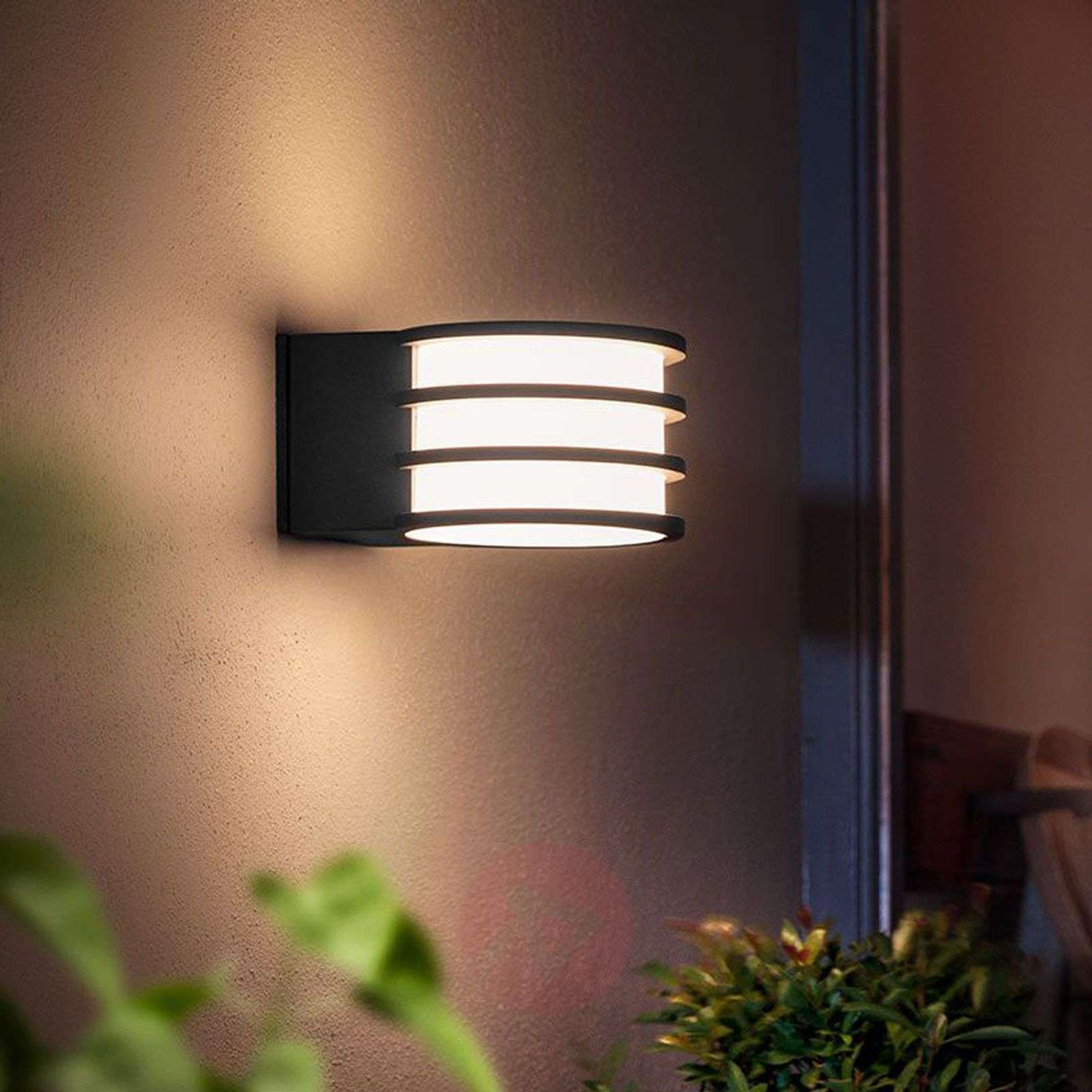 Philips Hue Outdoor Lampen.Philips Hue Lucca Led Outdoor Wall Lamp Lights Co Uk