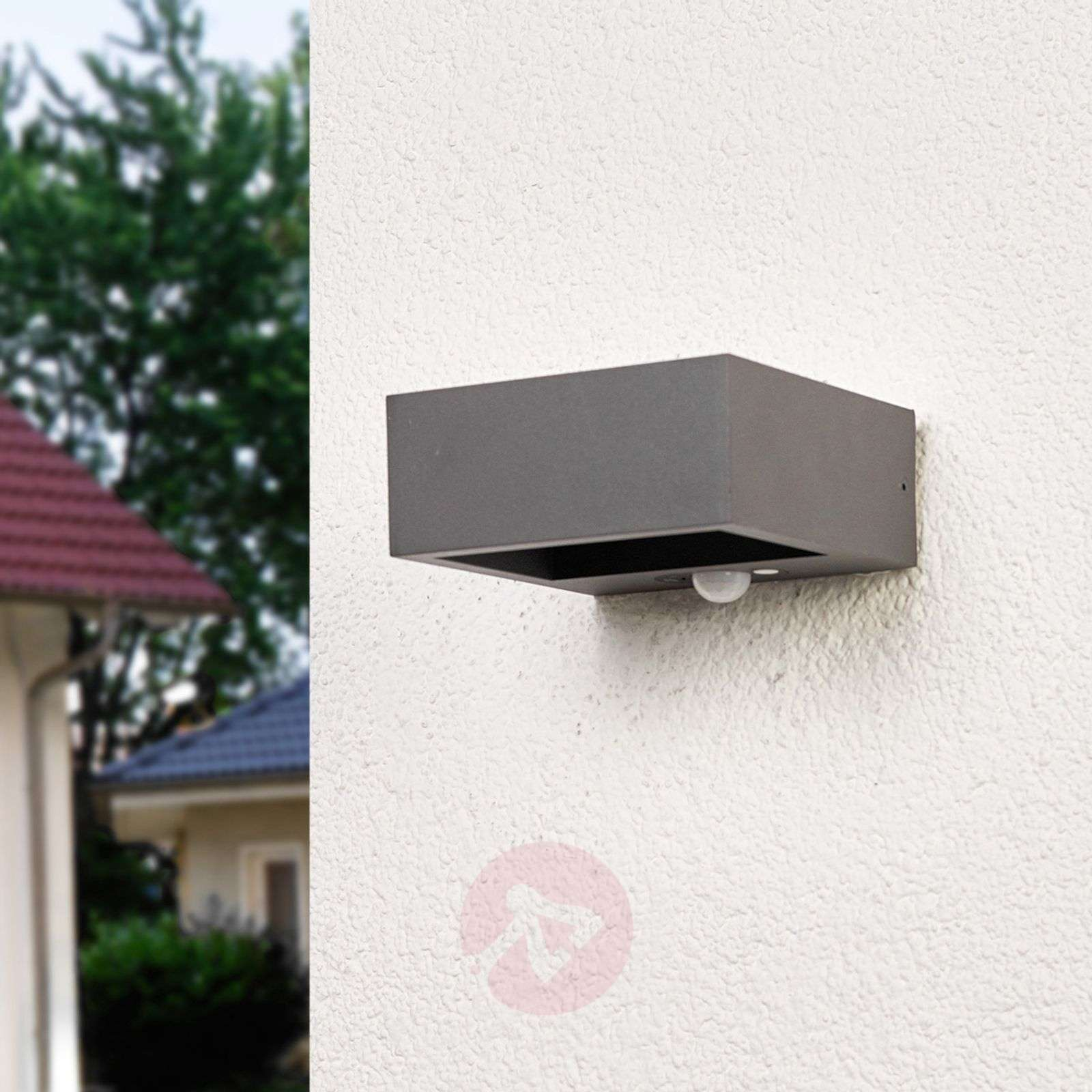 Wall Mounted Solar Porch Lights : Solar-powered LED outdoor wall light Mahra, sensor Lights.co.uk