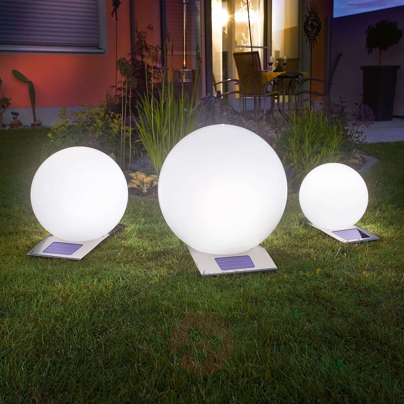 trendy solar light ball with 7 different colours. Black Bedroom Furniture Sets. Home Design Ideas