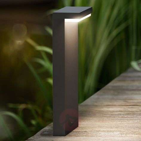 Bustan - LED pillar light in an angular shape