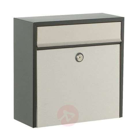 Wall letterbox 250 in elegant design