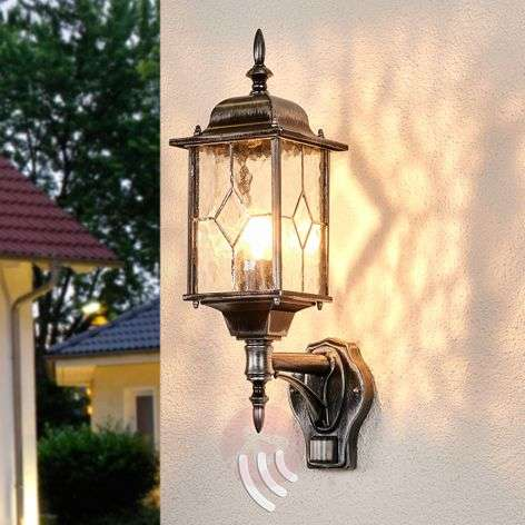 Wexford Outside Wall Light Robust