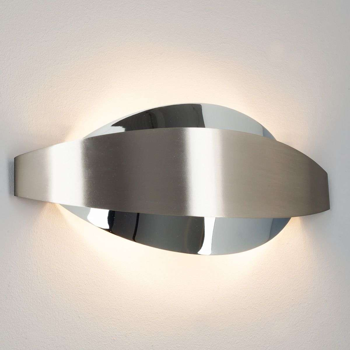 extravagant metal wall light lonna with g9 leds. Black Bedroom Furniture Sets. Home Design Ideas