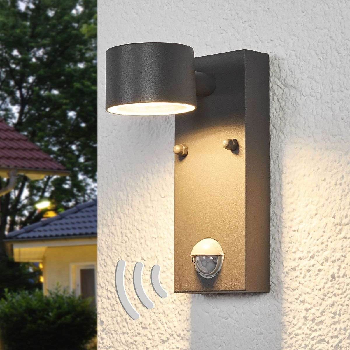 Outdoor Led Wall Light Lexi With A Sensor