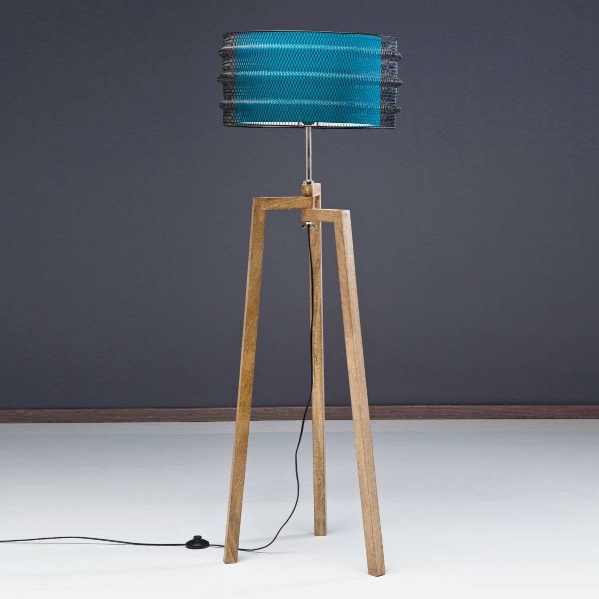 Three-legged floor lamp Wire Tripod | Lights.co.uk