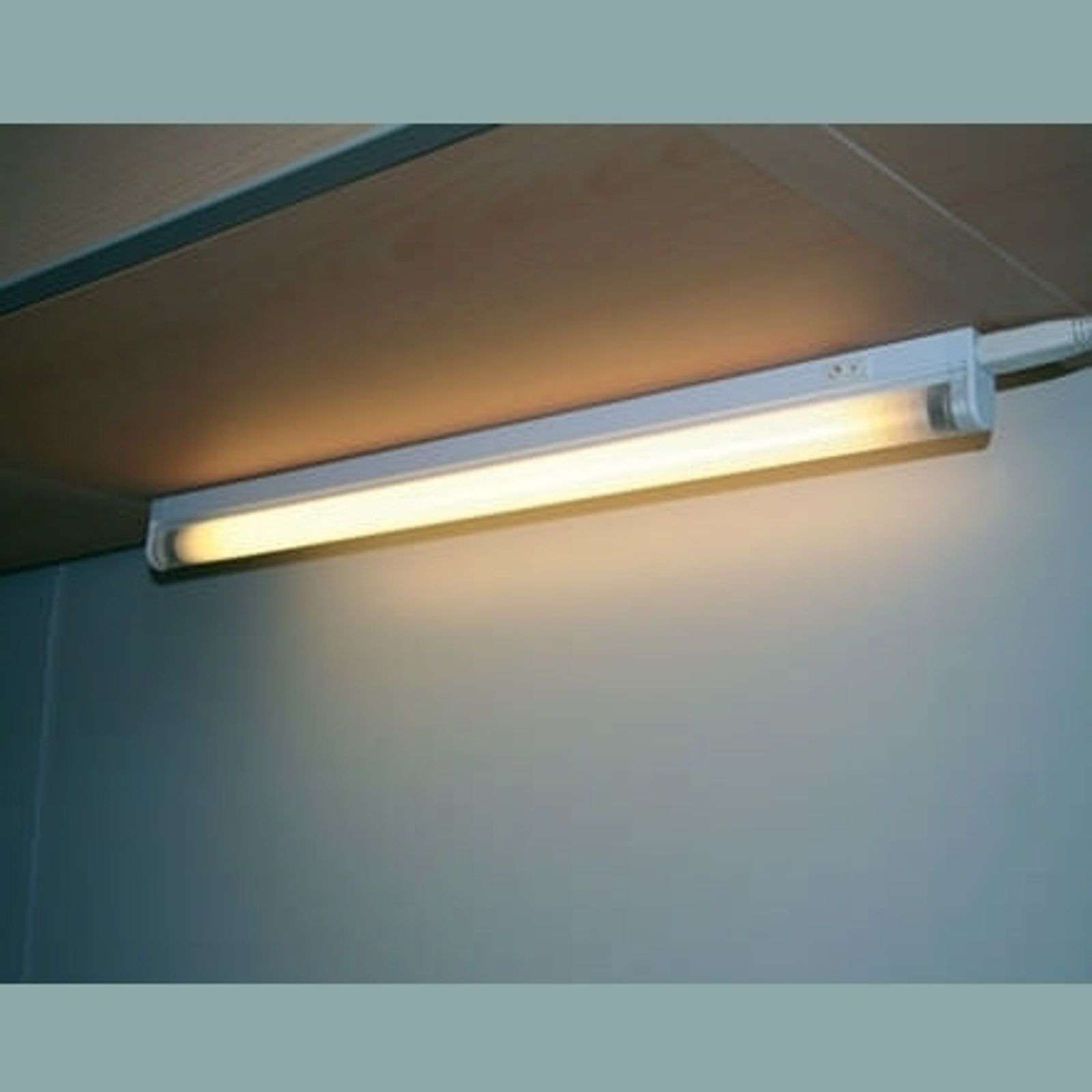 Surface/under-cabinet light and ballast 21 W CW