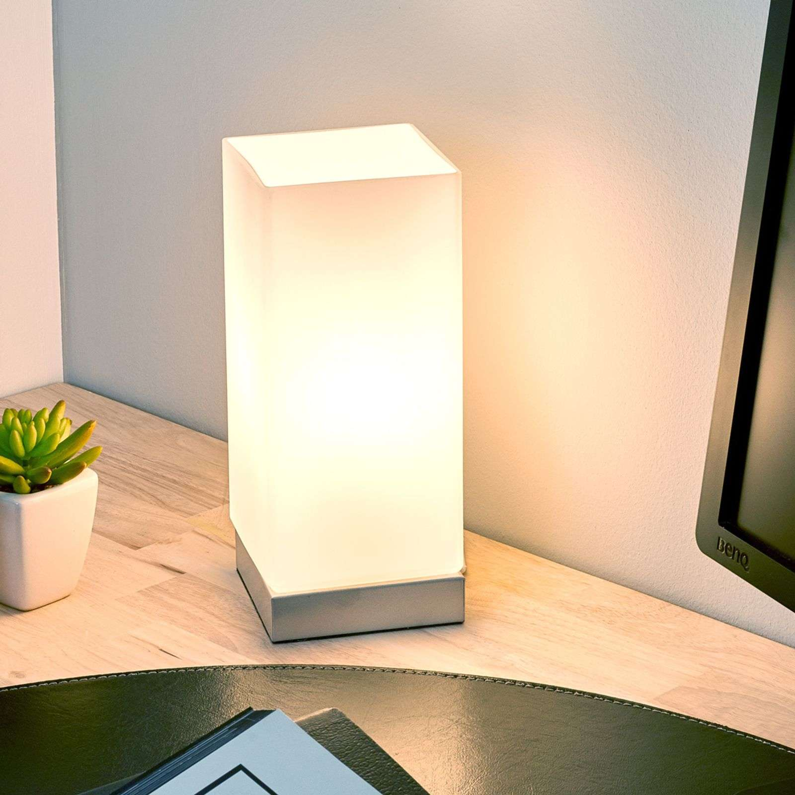Colour-Touch table lamp in white